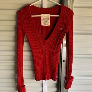 Red v neck knit sweater hollister size s